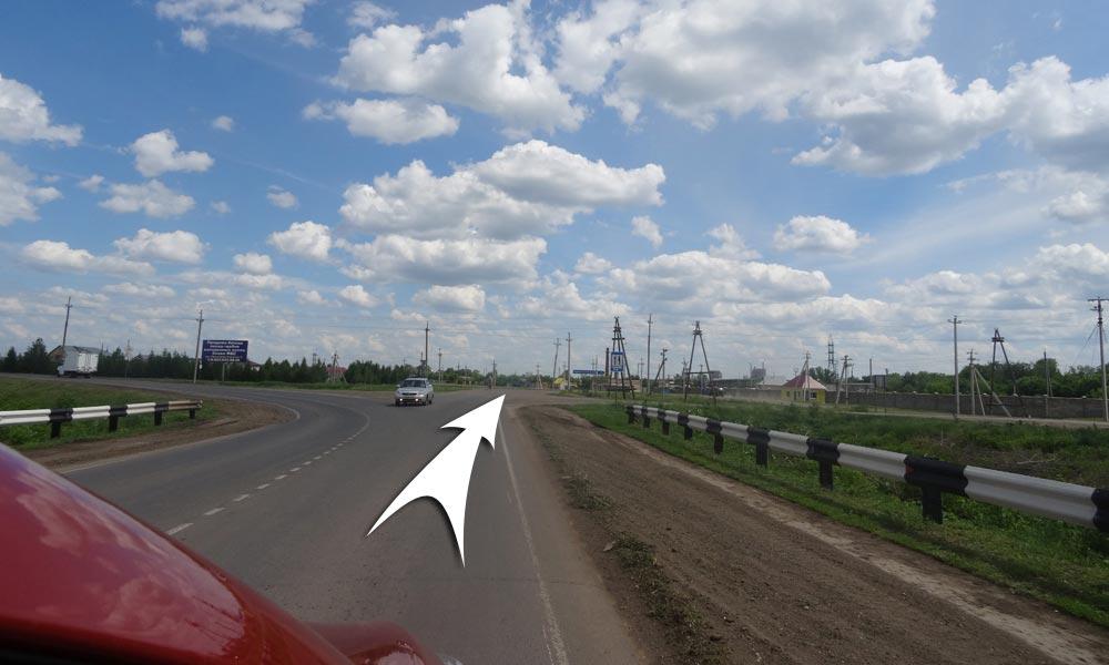 После АЗС вам надо будет ехать прямо, в Саракташ (налево будет объездная)